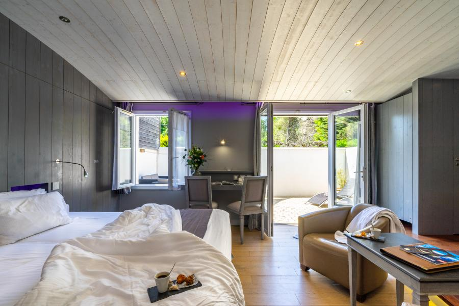 Hotel Elegance Suites Hotel - Your luxury 4 star balnéo ...