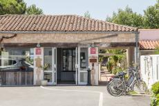 Hotel Elegance Suites Hotel Ile de Re - Your 4 star services : bike rental, heated pools, yatching